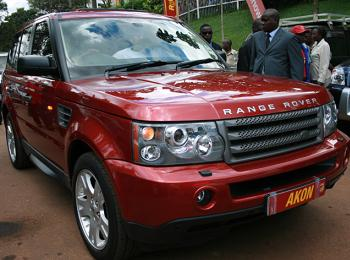 The Range Rover in which Akon was being chauffeured in while in Kampala